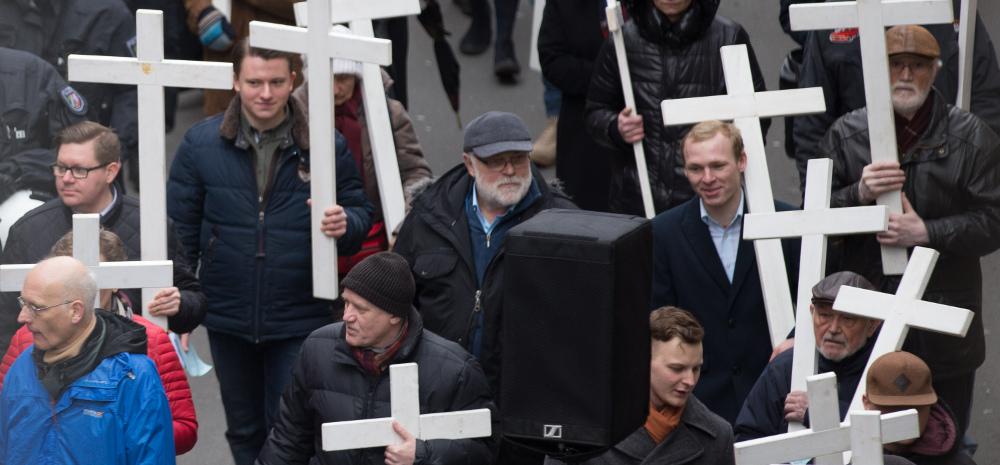 Hintere Reihe: Alexander Leschik (2. von links) und Jens Kellmann (4. von links)
