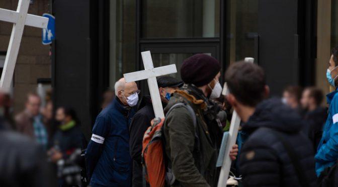"""Der """"1000-Kreuze-Marsch"""" und die radikalen Abtreibungsgegner*innen"""